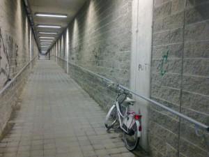 Una rampa del sottopasso della stazione di Melzo