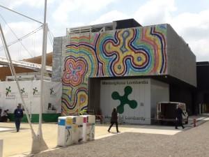 Il padiglione lombardo ad Expo fotografato ieri mattina. Un cantiere.